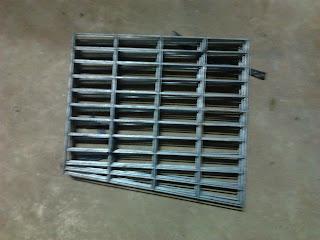Bahan Baku Kandang Battery / Kandang Besi - Anwar Peternak Ayam Petelur - Sukabumi