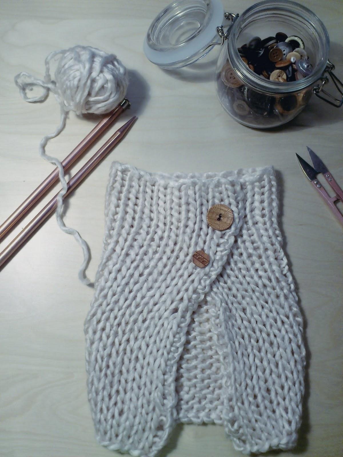 La datilera reciclar un jersey de lana una braga con botones - Reciclar restos de lana ...