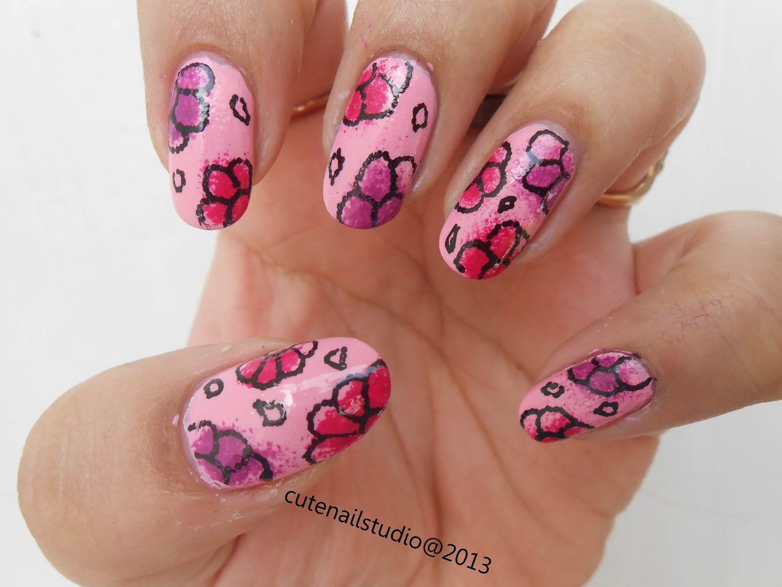 Cute nails: 30 seconds speed dry nail paint