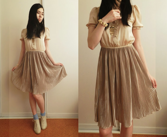 accordion pleats, pleats, bad wolf, doctor who outfits, rose tyler outfits, owl necklace, cream heeled brogues, peter pan collar, latte coloured