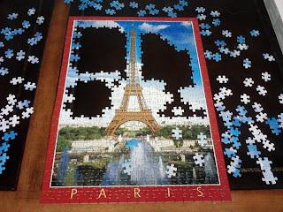 http://1.bp.blogspot.com/-zH2L67Lwxqs/TdY-MXpH4ZI/AAAAAAAADzw/xwauH2KueCI/s1600/paris_puzzle2.jpg