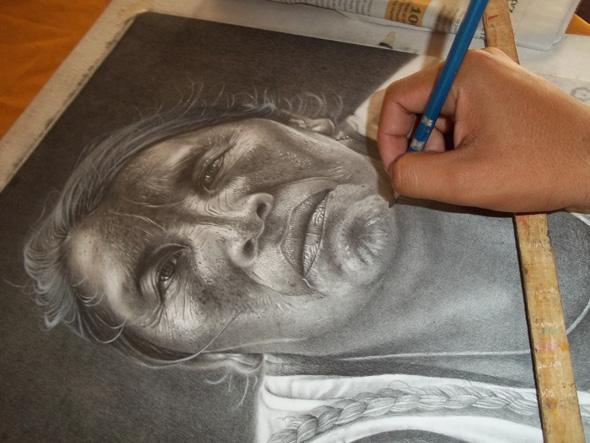 Anyelo González lápiz Carboncillor
