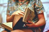 Cada libro esconde una historia