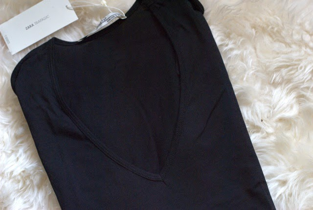 black t-shirt zara