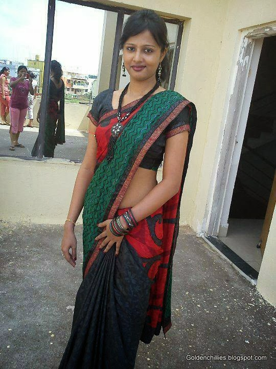 hot Indian college girls exposing in college