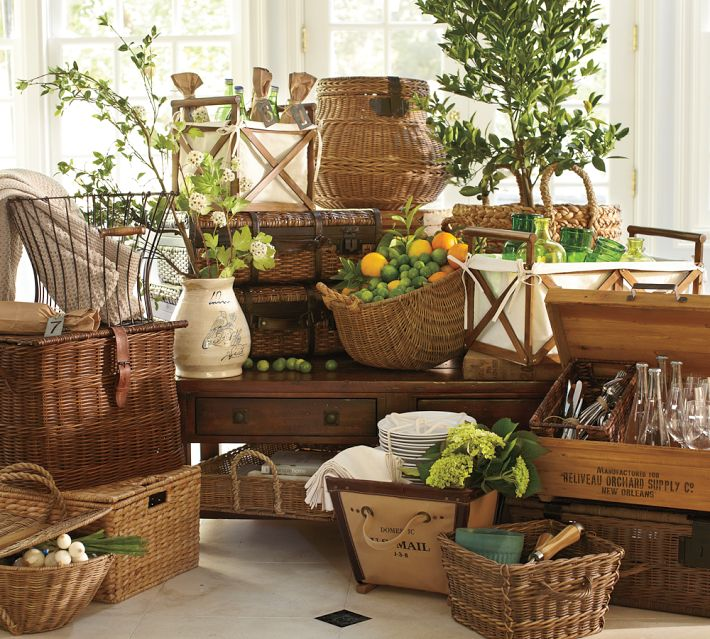 Decorative baskets inspiration for using them in your - Como pintar un cesto de mimbre ...