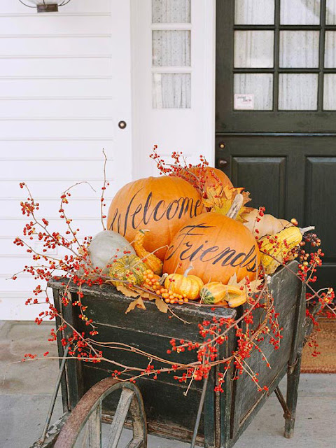 Fall outdoor decorating 2012 ideas modern furnituree for Yard decorations ideas