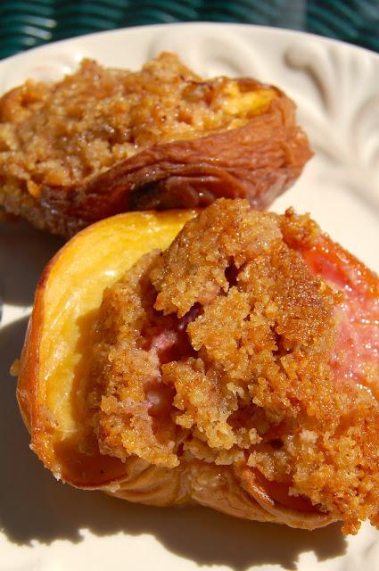 Almond Crisped Peaches | www.kettlercuisine.com