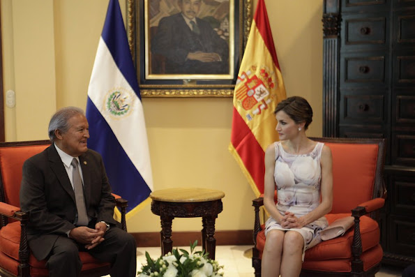 Queen Letizia of Spain and Salvador Sanchez Ceren President of El Salvador attend an official welcome ceremony at Presidential Palace