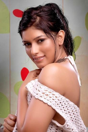 Divya Bhandari Hot Stills