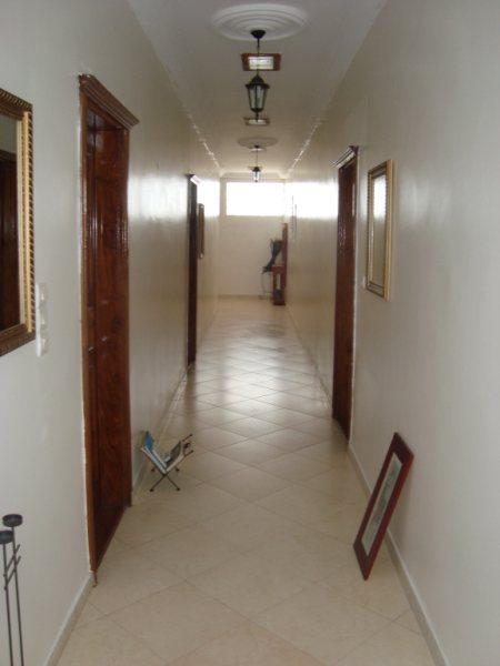 Villa vendre yenne f cfa pieds dans l 39 eau for Meuble au senegal