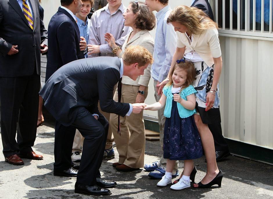 принц Гарри знакомится с Моникой Икен