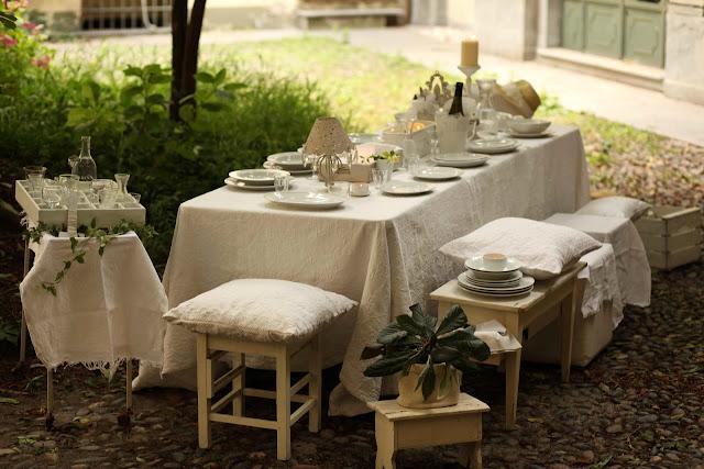 Cucina per le amiche idee per apparecchiare la tavola - Tavola apparecchiata per amici ...