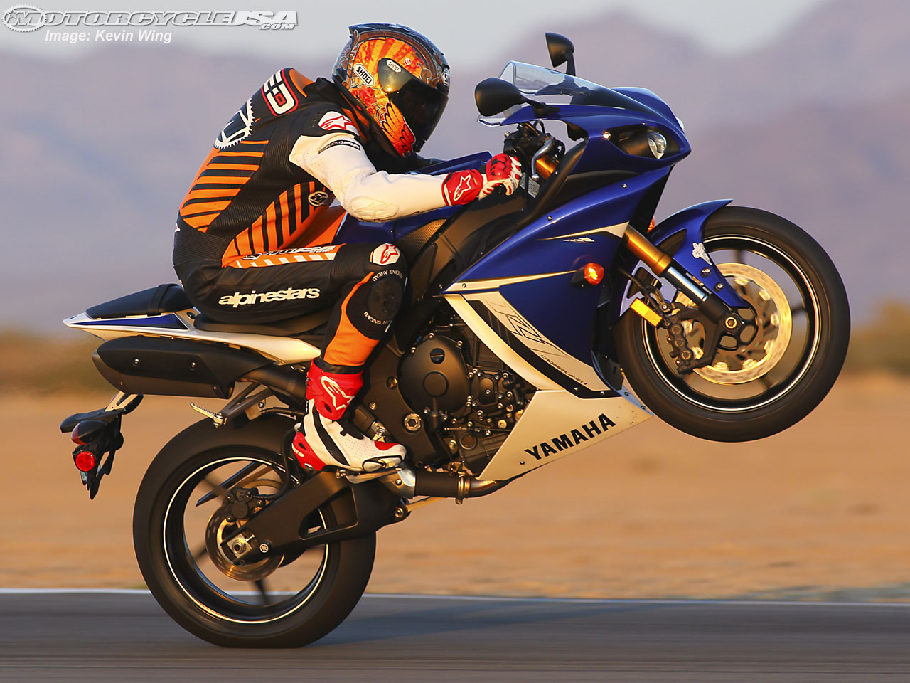YAMAHA FAST BIKES IMAGES AND WALLPAPERS