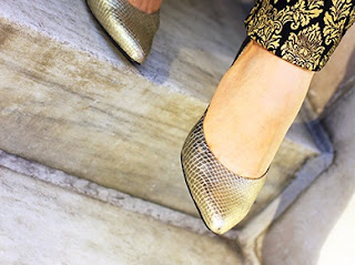 Nine West Snakeskin Gold Pump