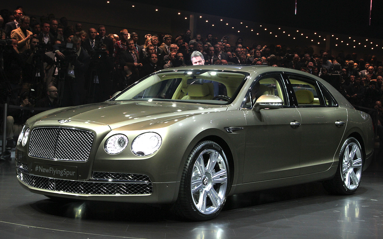 bentley flying spur debuts at geneva is most powerful bentley new cars reviews. Black Bedroom Furniture Sets. Home Design Ideas