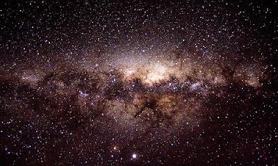 http://silentobserver68.blogspot.com/2012/10/linarrestabile-evoluzione-delle-galassie.html