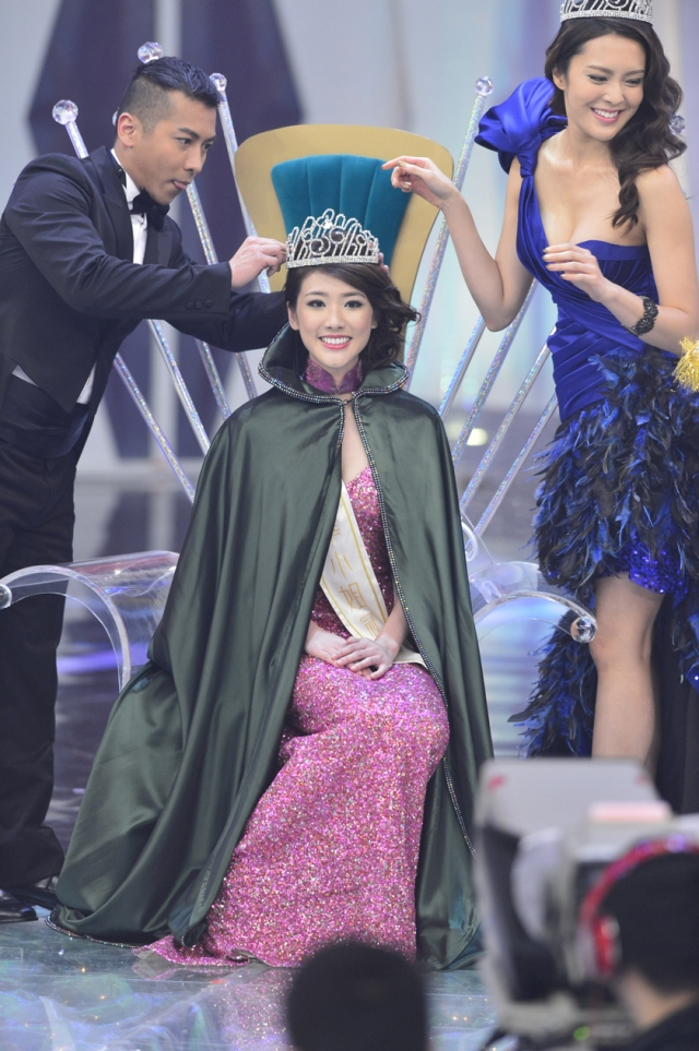 Miss Chinese International 2013 winner Gloria Tang 鄧佩儀 Vancouver Canada