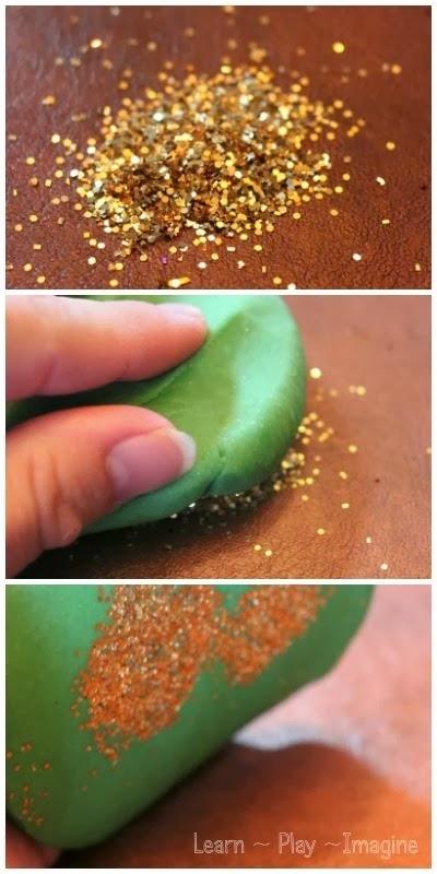 Tips membersihkan Manik manik dengan playdoh