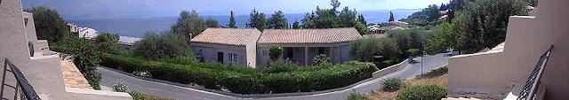Mareblue Aelos - pogled sa terase našeg bungalova (panorama)