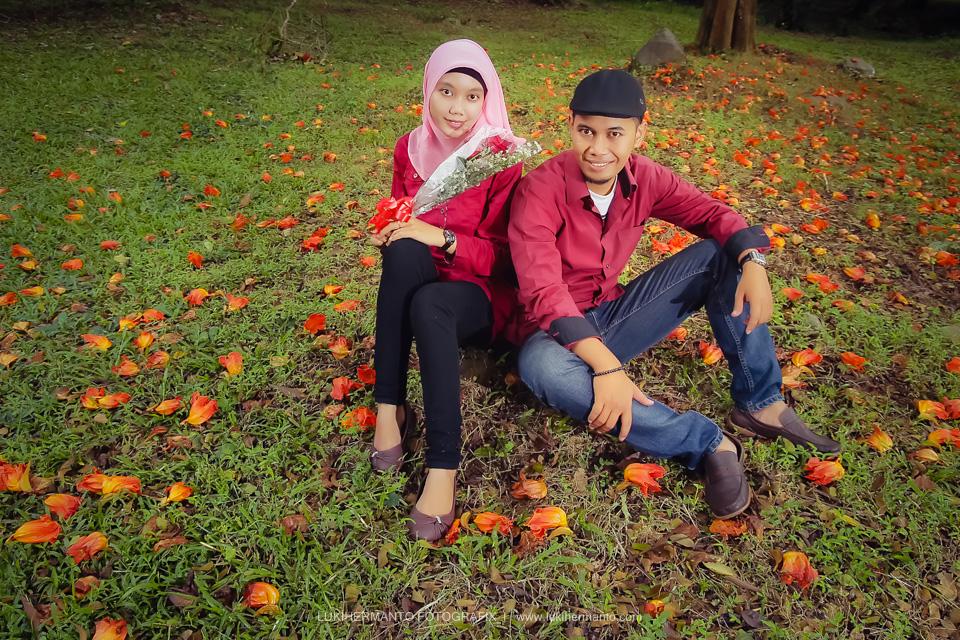 Foto Prewedding muslimah romantis
