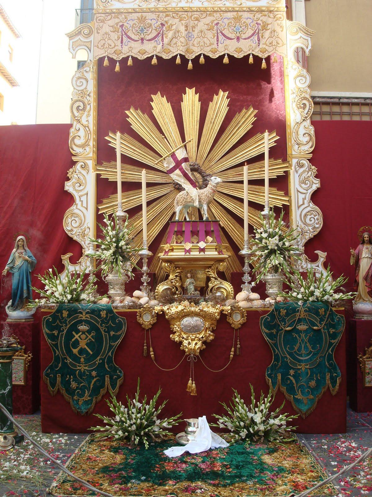 Decoracion altares cristianos for Decoracion casa granada