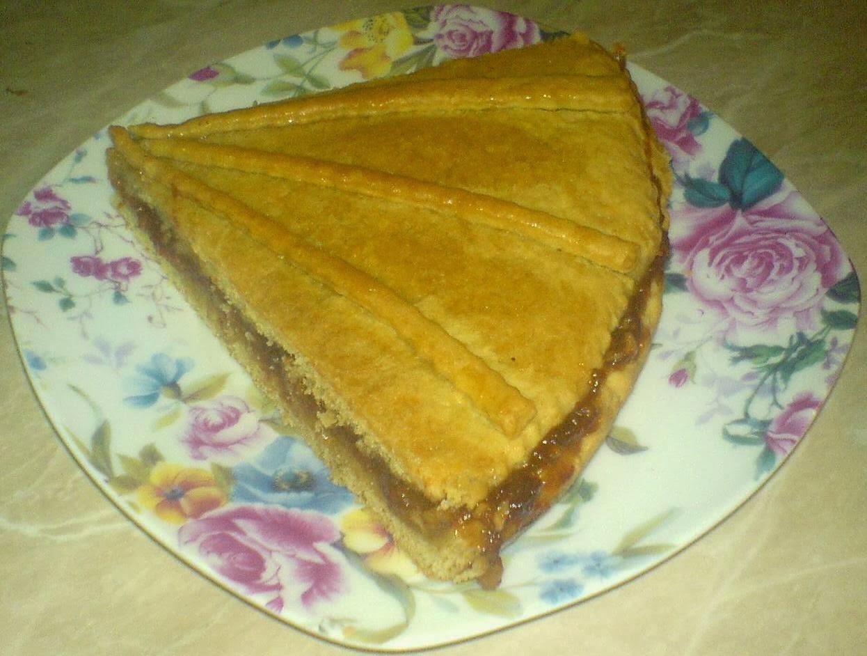 dulciuri, prajituri, deserturi, tarta, tarta cu nuci si gem de caise, retete si preparate culinare tarta cu nuci si gem, retete tarta, reteta tarta, prajituri cu gem, dulciuri cu gem,