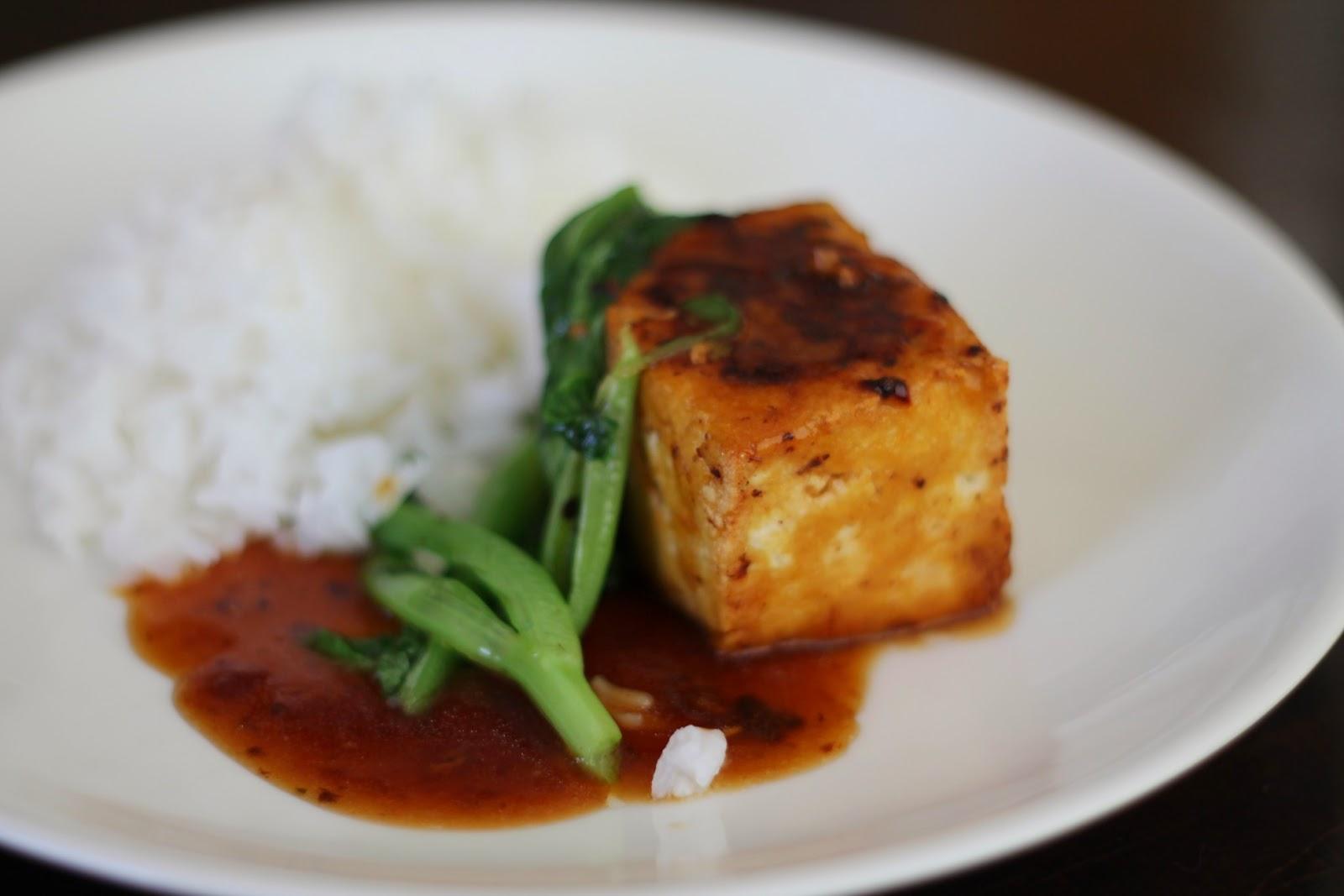 Täytetty tofu (ja possukuutiot)