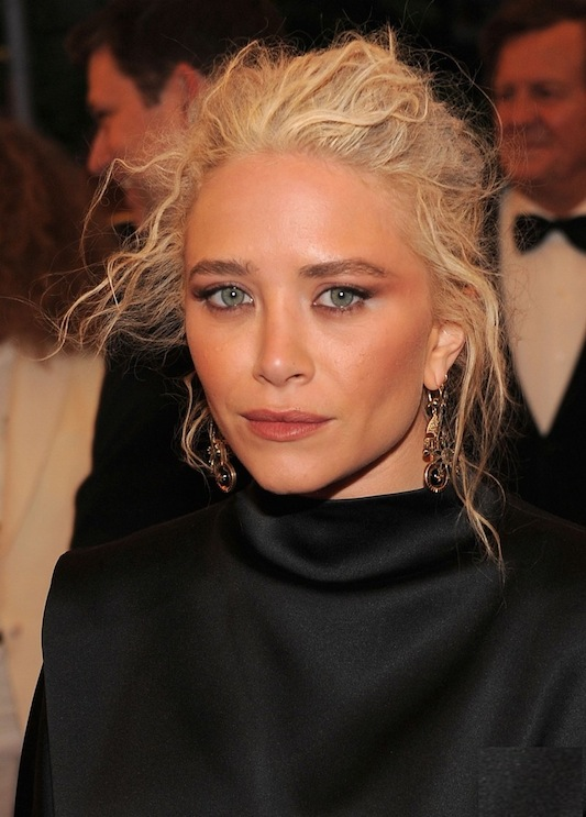 mary-kate-olsen-met-ball-2012-03-2.jpg