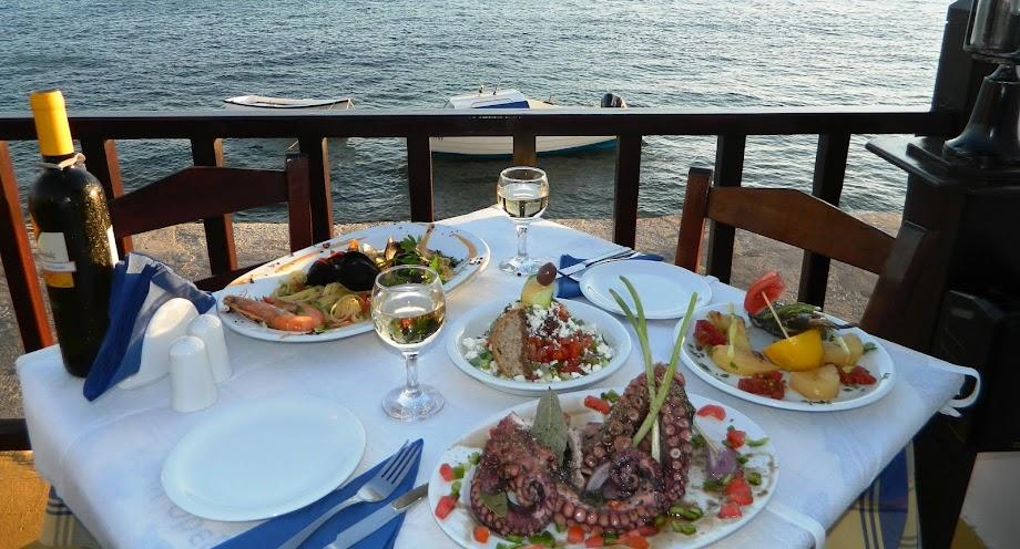PEFKO Restaurant LIPSI