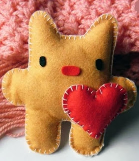 http://un-mundo-manualidades.blogspot.com.es/2013/05/hermoso-gatito-enamorado-manualidades.html