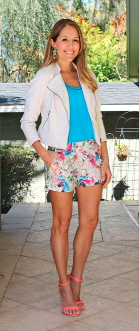 Ioanna's Notebook - 10 ways to wear shorts