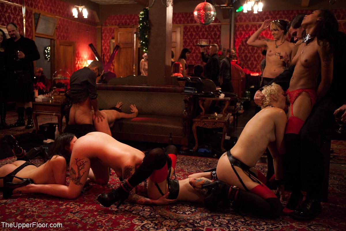 mini-igri-eroticheskie-shashki-bdsm