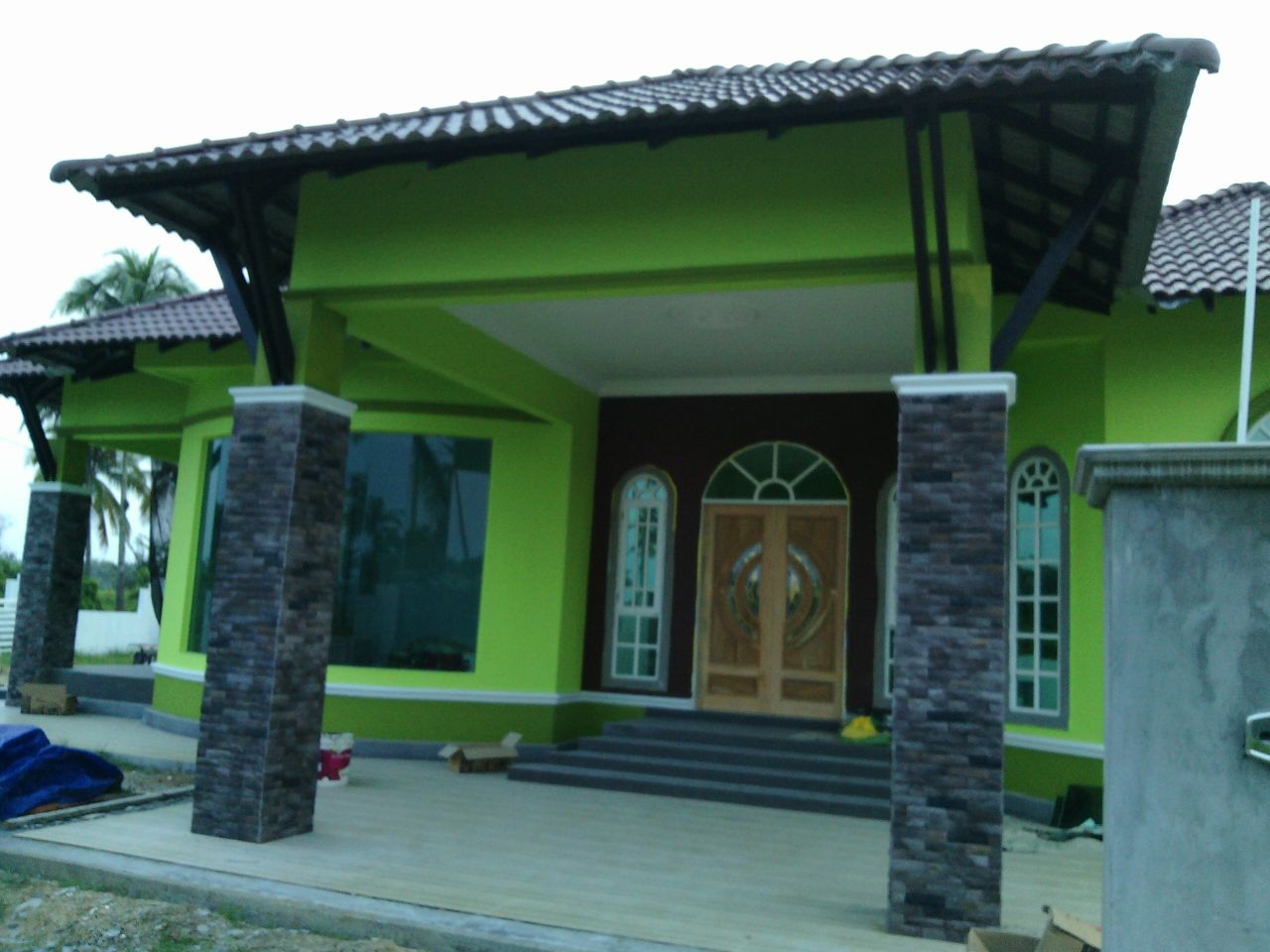 Bina rumah di Kelantan