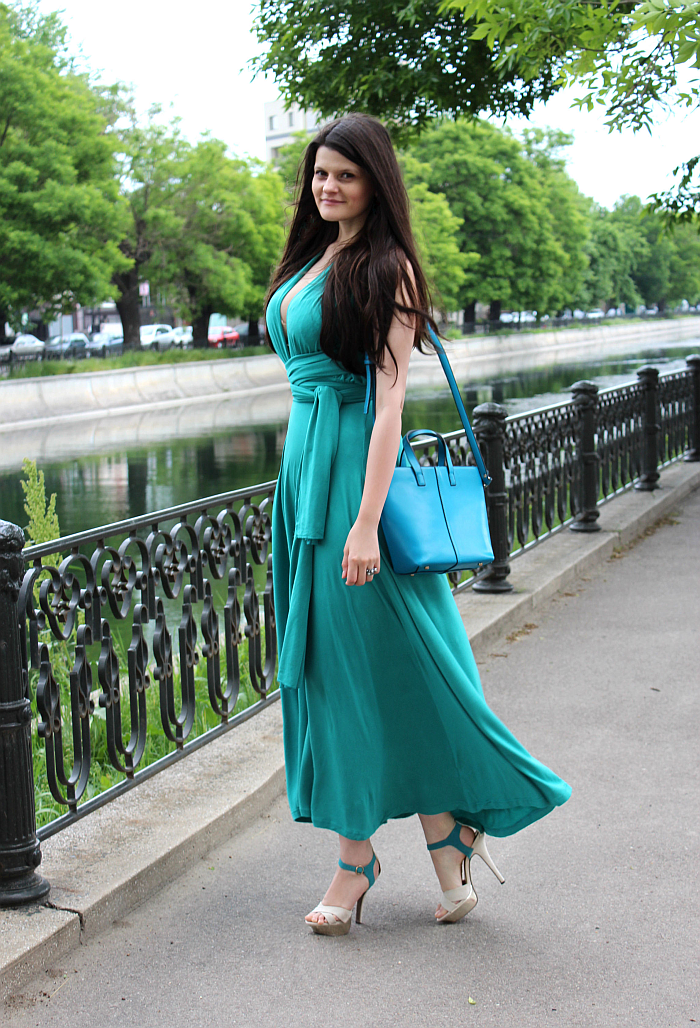 how to wear a multiway convertible dress, what to wear this summer, wardrobe basics