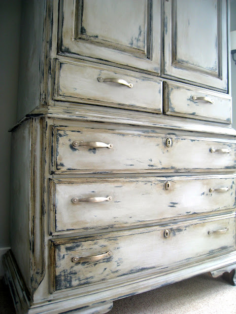 Annie Sloan Chalk Paint Distressed Furniture