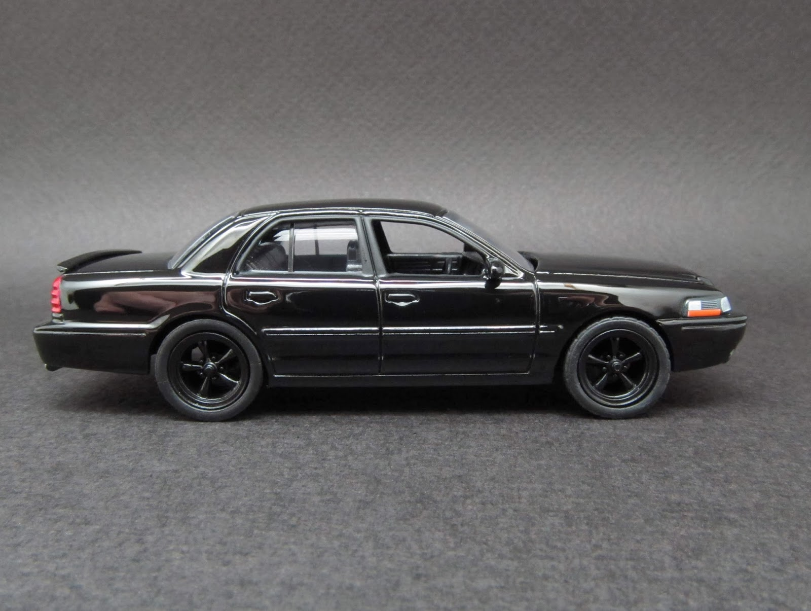 diecast hobbist 2003 mercury marauder. Black Bedroom Furniture Sets. Home Design Ideas