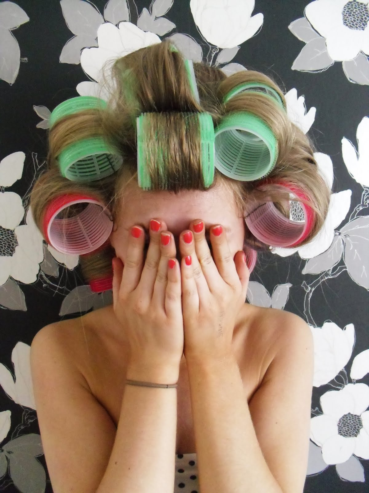 Hair Rollers Www Imgkid Com The Image Kid Has It