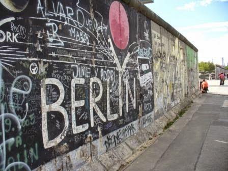 معلومات عن جدار برلين و احتفال المانيا بمرور 25 سنة على سقوط جدار حائط برلين Berlin Wall