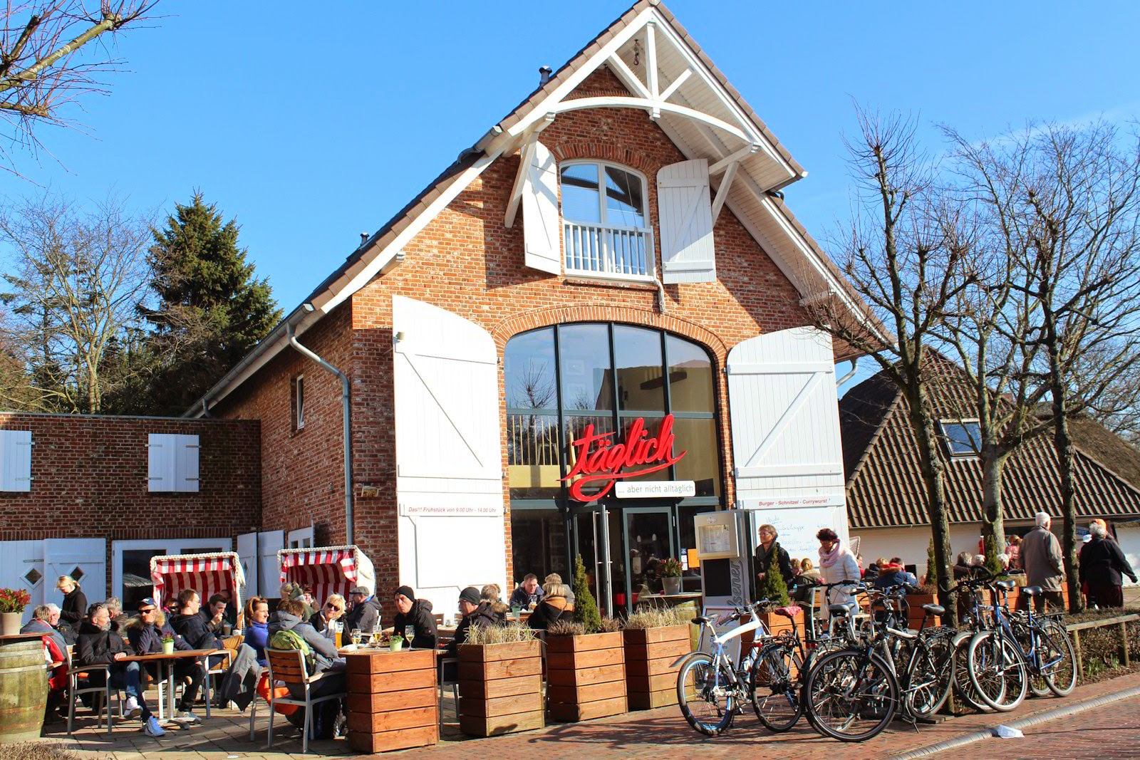 St. Peter-Ording Frühlingsausflug: Restaurant täglich