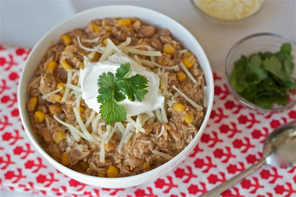 Slow cooker white bean chili with chicken and corn