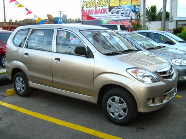 Toyota Avanza 2WD Pictures