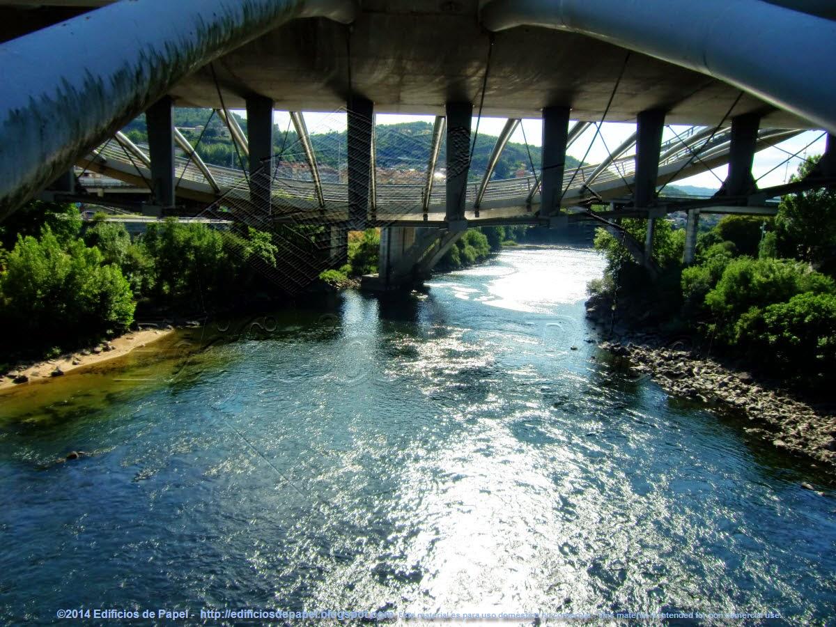 Vista del río desde el punto bajo del Puente del Milenio