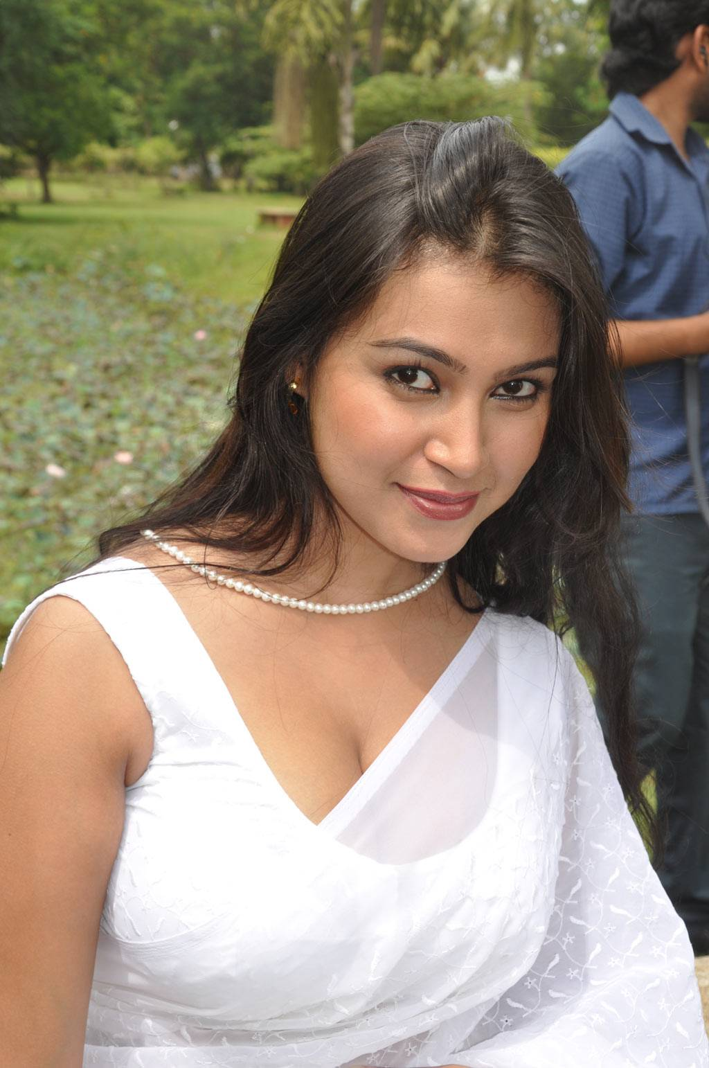 Hot Masala Tamil Actress White Saree Open Hot Stills