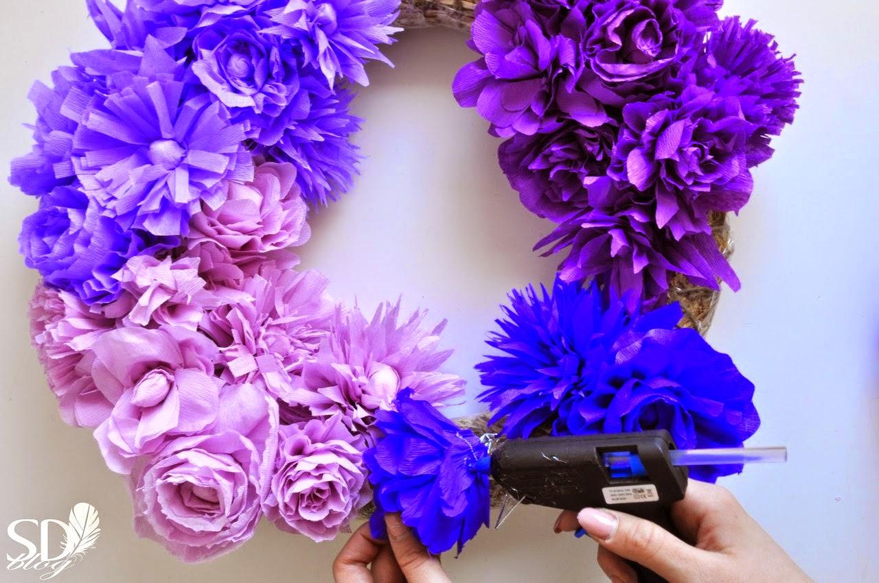 Большие цветы на голову из гофрированной бумаги своими руками