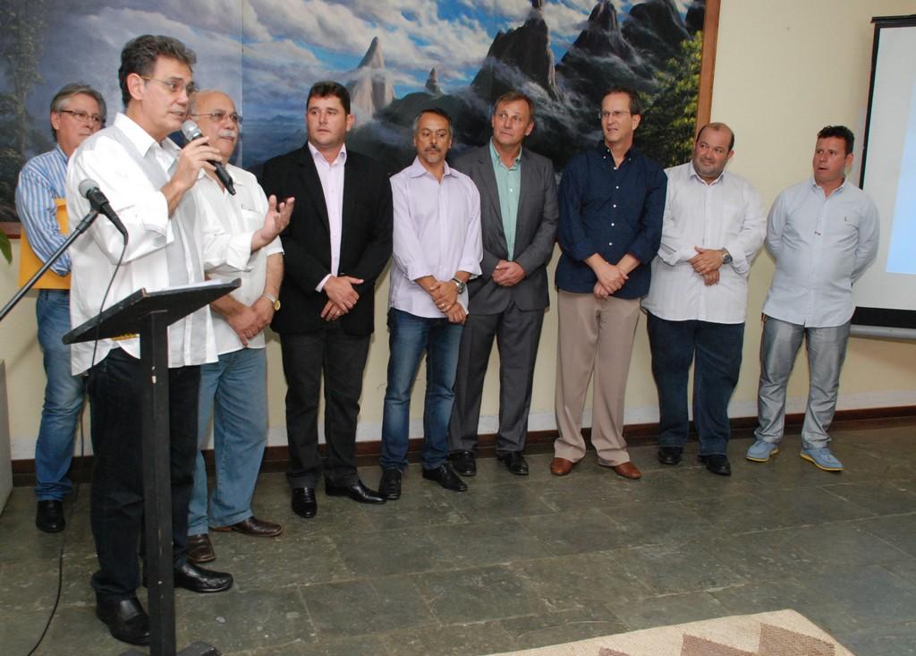 Secretário Estadual de Turismo, Ronald Ázaro, ressalta a facilidade de acesso a informações que a máquina vai oferecer aos usuários