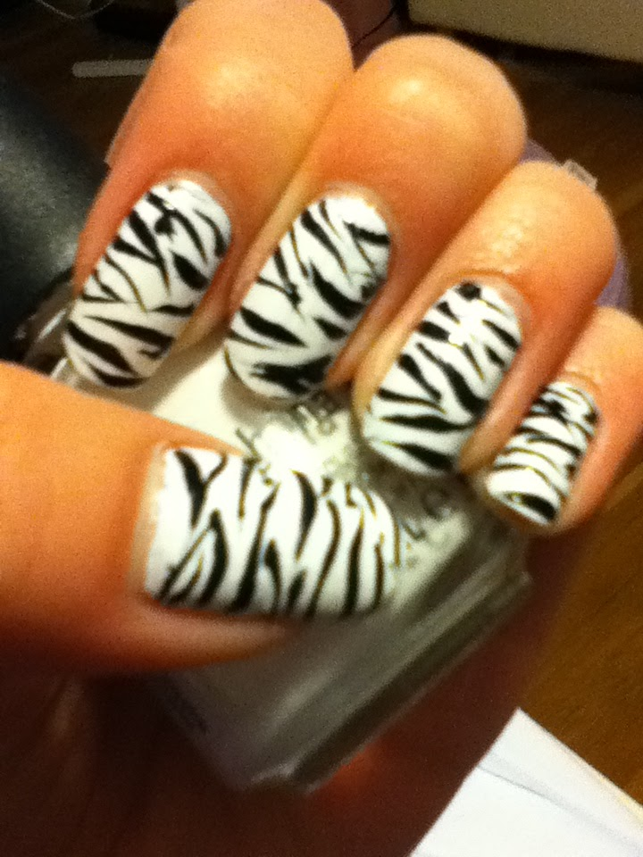 how to draw zebra stripes on your nails