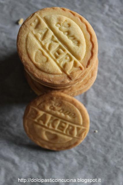 biscotti con gli stampi in silicone fatti in casa, ecco come farli