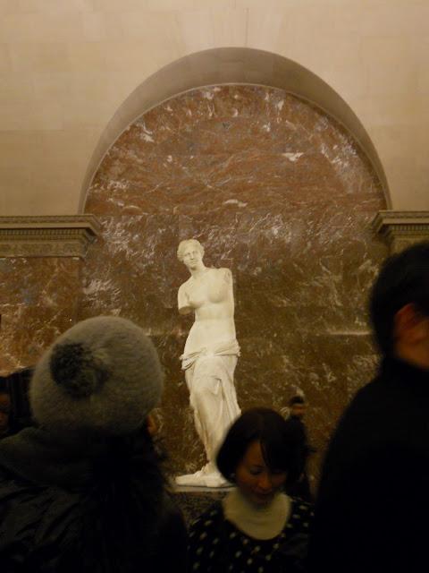 inside Paris Louvre Museum