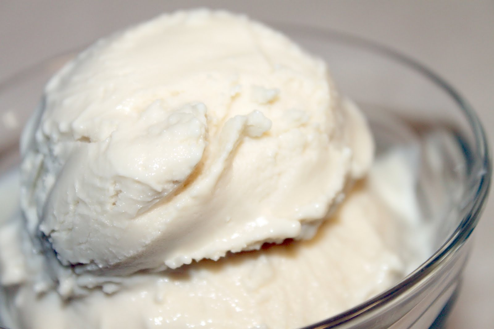 Vanilla Frozen Yogurt Recipe — Dishmaps